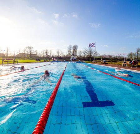 Zwem4Daagse in zwembad It Gryn